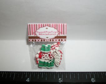 New Dollhouse Miniature Handcrafted Packaged Christmas Ribbon Candy Sweet Dessert Food #1402