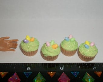 1:6 Play Scale Dollhouse Miniature Handcrafted Large Easter Egg Cupcakes Dessert Doll House Food ~ reference Barbie hand for size 1150