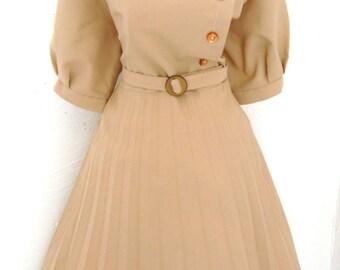Vintage 70s do 40s 50s Pleated Tea Shift Day Dress Caramel Beige Cream  XL