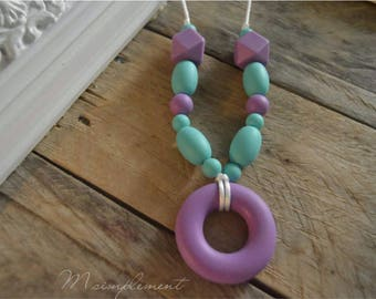 Teething necklace. [Original].