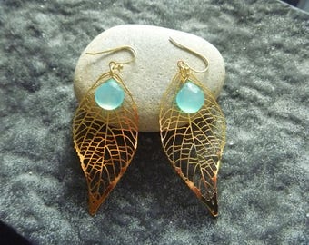 Blue Crystal with chalcedony and leaves: Earrings
