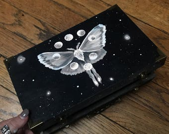 Luna Moth Manifestation box