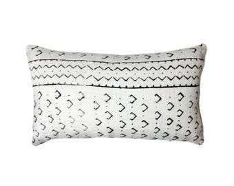 African Mudcloth Pillow Cover, African Pillow, Cream and Black | Cari