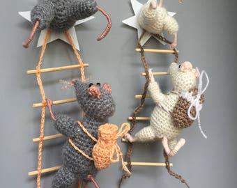 mouse crocheted fridge magnet knitted мышки воришки вязаные крючком