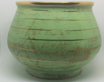 Vintage 1960s, Hull Pottery Green with Gold Trim Capri Vase/Planter