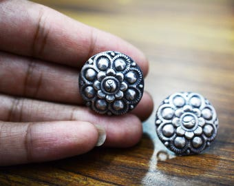 Gorgeous floral STUD EARRING 925 silver oxidised
