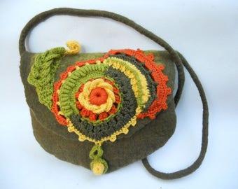 Felt bag Felt Purse Crochet purse Shoulder purse  Shoulder felt bag Olive green bag Merino wool bag