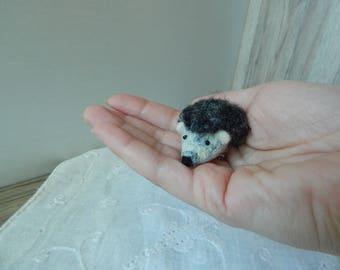 Wool brooch gray hedgehog-Felt brooch-Brooch hedgehog-Miniature felt brooch-Felt jewelry-Felt hedgehog -Felt brooch hedgeho-Gray hedgehog