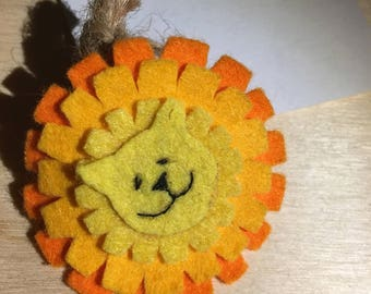 Felt dandylion brooch