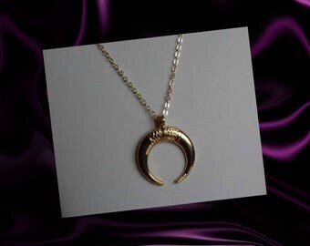 Gold Double Horn Necklace, Gold Horn Necklace, Crescent Moon Necklace, Upside Down Moon Pendant, Necklace, Boho Necklace, Friends Gift