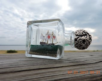 Ship in a bottle Pinta