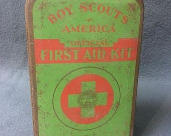 Vintage 1950's Boy Scouts Of America First Aid Tin Kit Johnson & Johnson Medical Kit