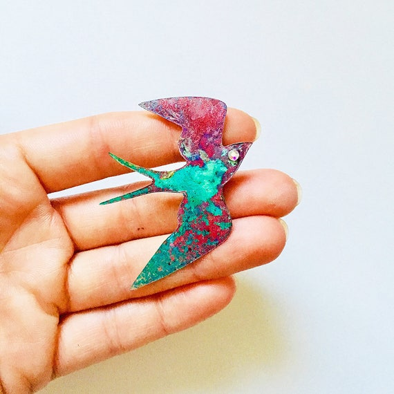 Swallow pin - Swallow brooch - Swallow nebula pin - Holographic glitter swallow pin - 90's stars pin - Swallow fashion jewelry - Swallow pin