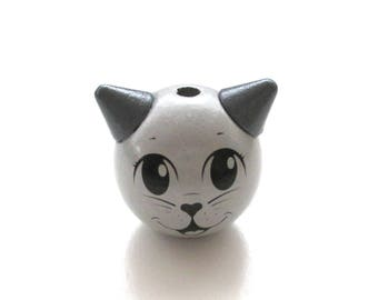 Wooden 3D light gray Cat Head bead
