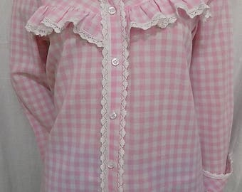 Cotton gingham and white lace long sleeve shirt