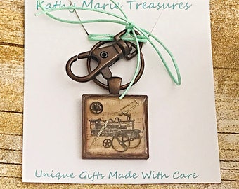 Steampunk locomotive resin key ring - purse charm, gift for him, teenager gift, stocking stuffer, bag charm, car accessory, new driver gift