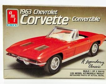 Vintage AMT 1963 Chevrolet Corvette Convertible 2 Builds 1/25 Scale Model 6774