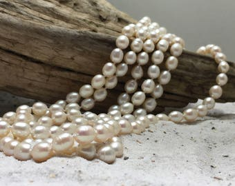 Fresh-water pearl necklace, 140 cm, natural pearl