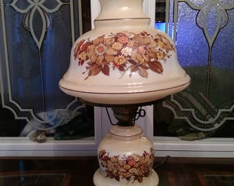 3 way - 2 globe beautiful floral lamp !
