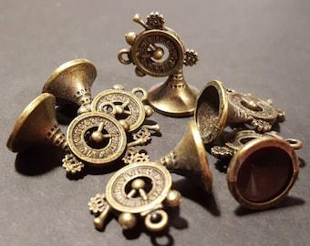 Steampunk Clock Horn