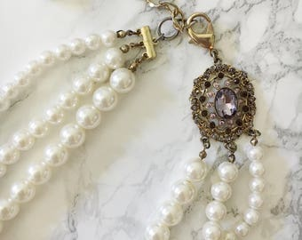 pearl and rhinestone accent necklace