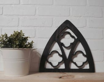 Small vintage arch with design