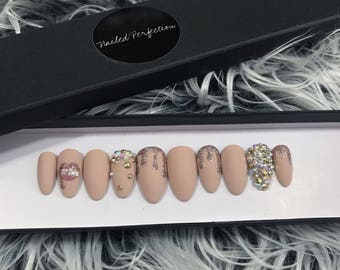 The KYLIE LIKE press on nails set • fake nails • gel nails • press ons • nails • false nails •