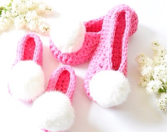 Woman slippers Trendy slippers Home shoes Pom pom shoes House slippers