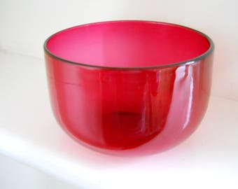 Victorian Cranberry glass finger rinsing bowl