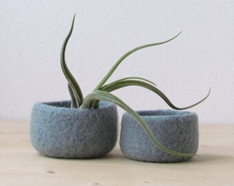 Grey green felted bowl / Two nesting bowls in grey green / Cozy Air plant holder / Minimalist decor