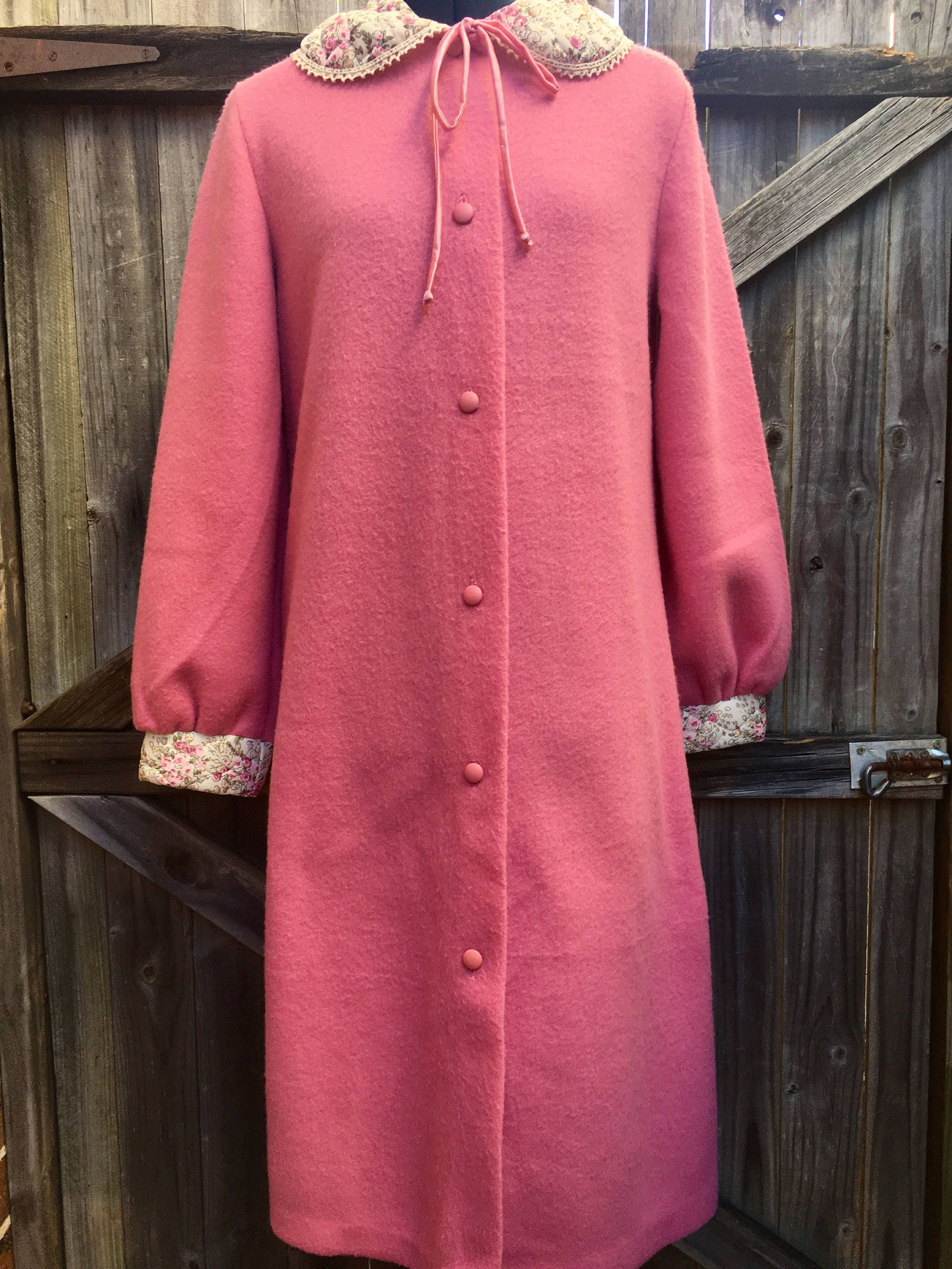 Modern Giovanni Dressing Gowns Embellishment - Wedding and flowers ...
