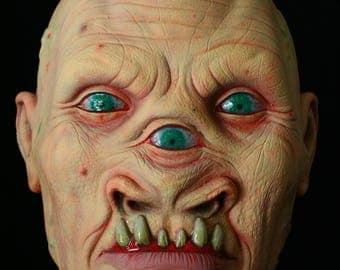 Tryclopspoid sculpture latex creature / monster mask