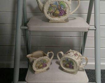 Vintage 1940s Sadler barrel bow tea set. Teapot, sugar bowl & creamer. Crinoline lady in garden decor, gold chintz.