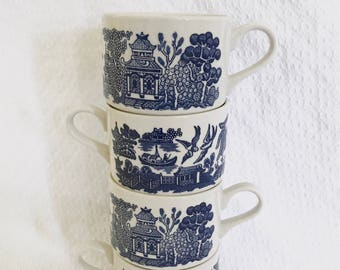 Set of 4 Blue Willow Cups