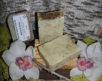 Beeswax Natural Soap – Walnut and Herbs
