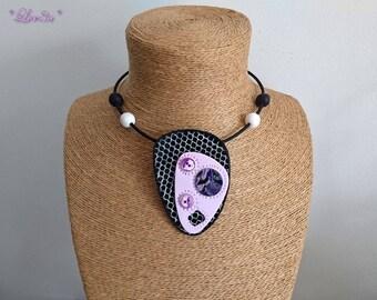 Pale pink design pendant necklace / black / purple