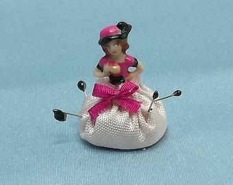 Pincushion lady - pink - 1:12