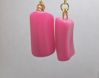 Transparent pink earring