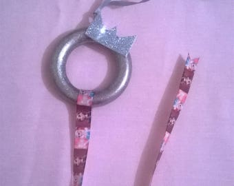 Frozen themed hair clip holder.