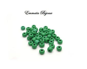 30 Green 4 mm seed beads