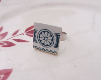 Vintage - Retro ring - ceramic porcelain dishes old flower blue green