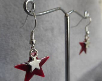 Earrings with garnet red enamel stars and silver stars charms sequins