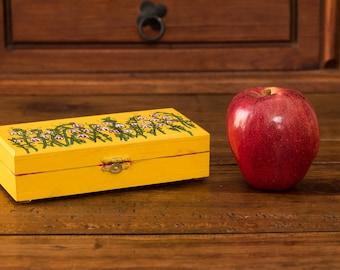 Yellow box, Yellow little box, ITARTI, #ITARTIartesanal #ITARTIsignificando