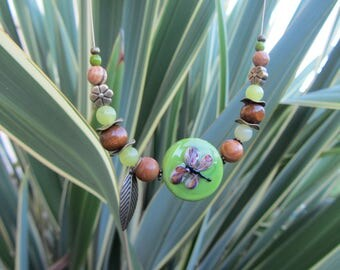 "Crew neck pendant disc of glass in the plant and """" spirit with gemstones, wood, brass, dragonfly, green and Brown"