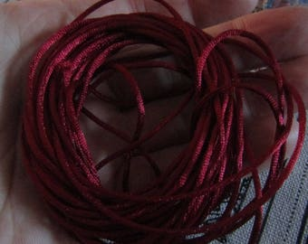 batch of 5 meters of smooth and shiny cotton thread 1.5mm in burgundy