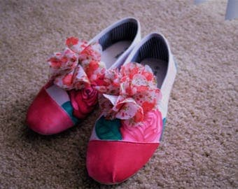 Women's Watercolor Floral Slip-ons