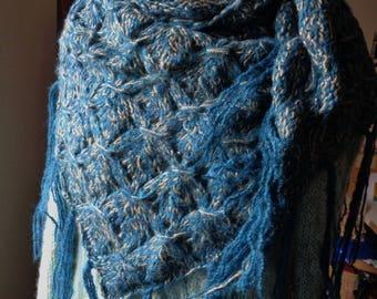 Scarf/shawl knit fringed blue/gold
