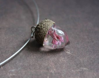 Round neck + pendant tassel and real Acorn base, resin inclusion of rare German Roses