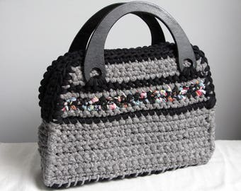 Wooden purse handles gray crochet