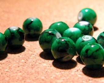 20 glass beads 10 mm green marble PF4